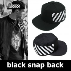 《EMS送料無料=3営業日到着》EXO,BIGBANGなどの韓国のK-POPスターや世界のファッションピープルに愛されている@ff whit* style black snap back(男女兼用)