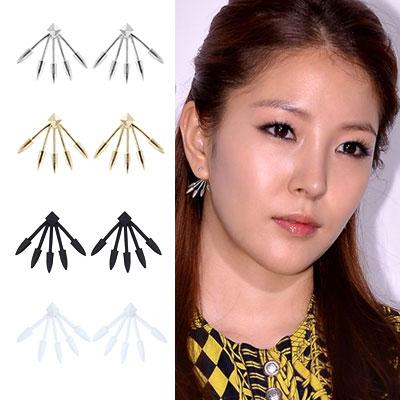 BoA item | K POP STAR BoAがLaunching記念イベントで着用した矢印ポイントイヤリング