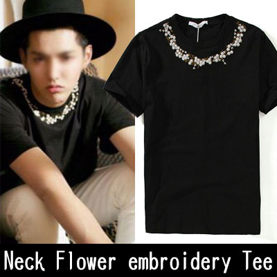 EXO クリス スタイル!ネックフラワー刺繍ポイント半袖Tシャツ/Neck Flower embroidery point T-shirt