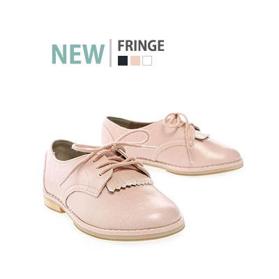 韓国子供靴[BUDDY/FRINGE] ドレスアップスタイルを演出しやすいフリンジローファー(3colors)