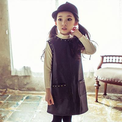 韓国子供服 [LIPOP/LEATHER DRESS]スタッズがポイント!COOLなインパクトを与える子供ノースリーブレ  ザーワンピース