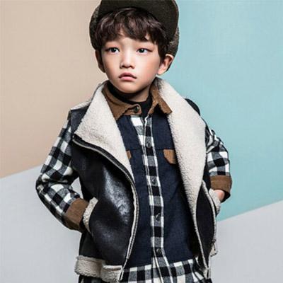 韓国子供服 [LIPOP/MUSTANG VEST]シンプルに着られるブラックムートンベスト