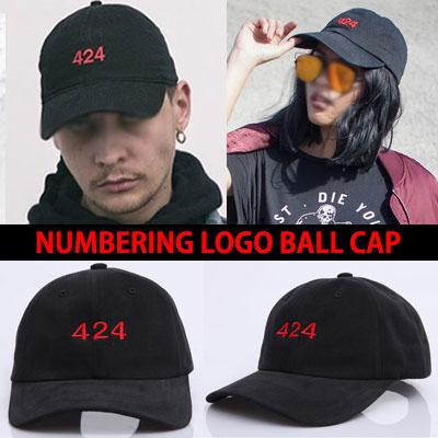 レッド数字のナンバーロゴが強烈な424 RED NUMBERING LOGO BALL CAP