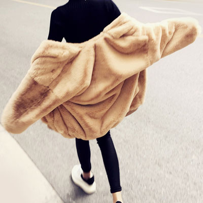 中綿入りでさらに暖かいオーバーサイズミンクフェイクファージャケット