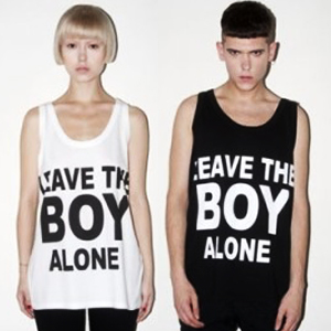 BOY LONDON通販★K-POP STAR愛用 LEAVE THE BOY ALONE 半袖T-シャツ