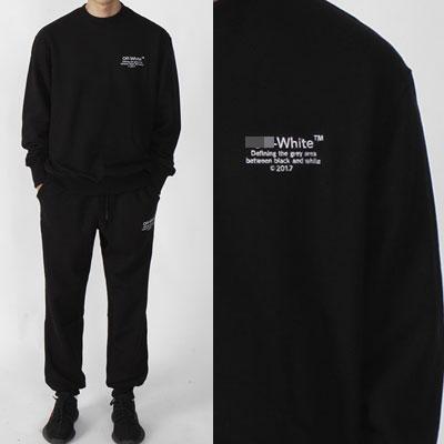 ホワイトのロゴエンブロイダリーポイントロングスリーブスウェットシャツ(ブラック)