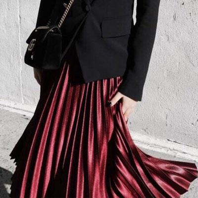 【FEMININE : BLACK LABEL】ワインシルキーアコーディオンプリーツスカート