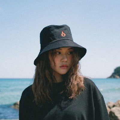 【2XADRENALINE】炎の刺繍バケットハット/ブラック