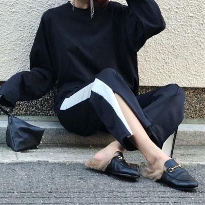【FEMININE : BLACK LABEL】スリットディテールトラックパンツ (Black X White)