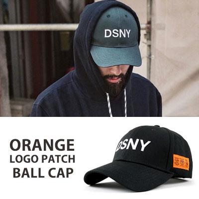 [UNISEX] オレンジロゴのパッチポイントボールキャップ