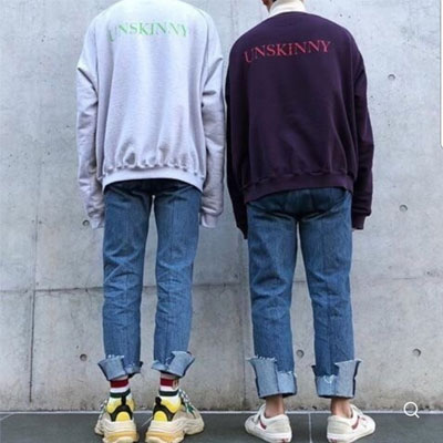 [UNISEX] UNSKINNY ロゴオーバーサイズスウェットシャツ(2color)