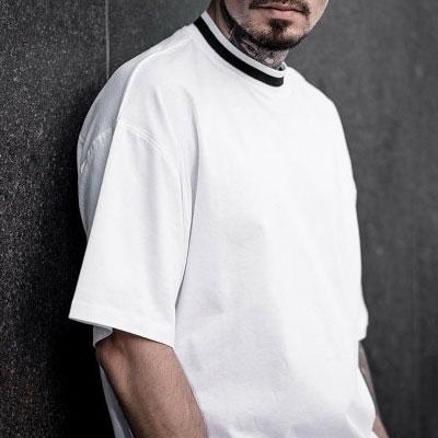[UNISEX] ホワイト/ブラックネックラインショートスリーブtシャツ/半袖(2color)