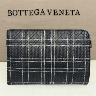 《only VIP》LINE bottega ve*** clutch bag