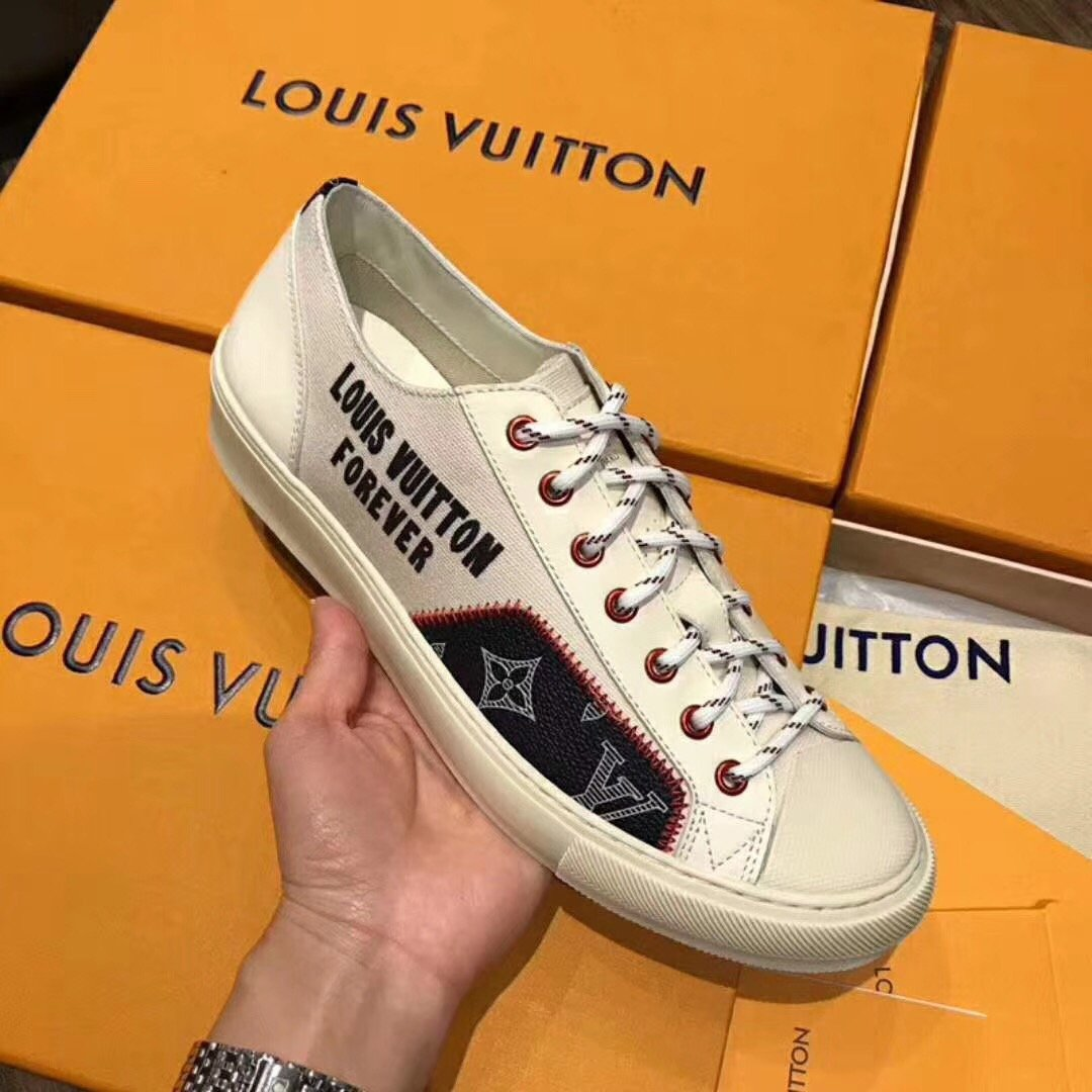 Coming soon《only VIP》LINE Lou***tton Tattoo Low Sneakers-White