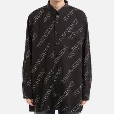 [UNISEX] シックブラックロゴパターンシャツ-black