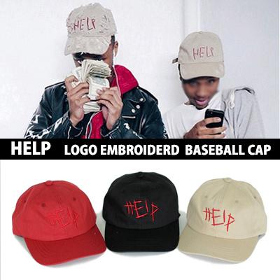 人気が高く入手困難など話題を集めたそのアイテム!! HELP LOGO 刺繍ベースボールキャップ