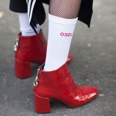 [UNISEX] レッドロゴポイントホワイトソックス/靴下