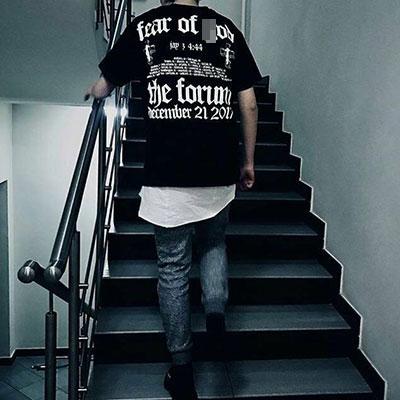 [UNISEX] レタリング後ろプリントショートスリーブTシャツ/半袖