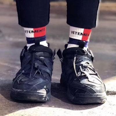 [UNISEX] レッドホワイトハーフゾーンロゴソックス/靴下