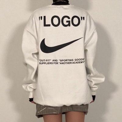 《only VIP》LINE ni@e 起毛 sweatshirts