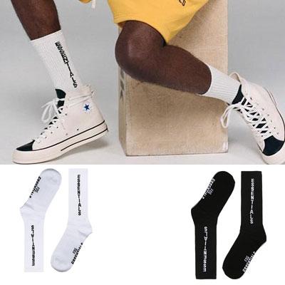 [UNISEX] ESSENTIALロゴソックス/靴下 (2color)
