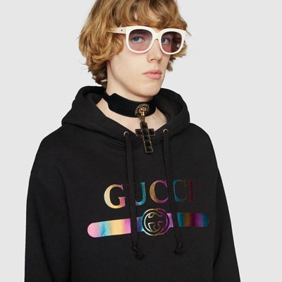 《only VIP》LINE gu*** logo hoodie