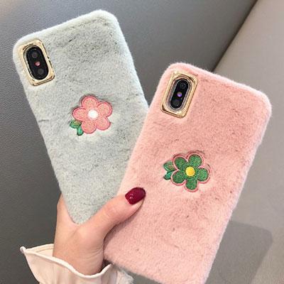 フラワー刺繍ファーiPhone スマホケース/スマホカバー