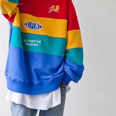 [UNISEX] レインボーカラーパッチ刺繍スウェットシャツ(2color)