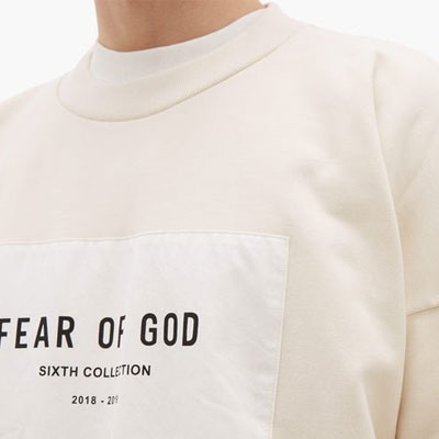 [UNISEX] フロントパッチスウェットシャツ